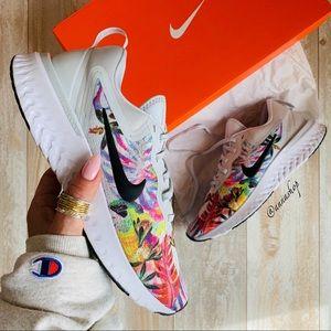 NWT Nike odyssey react floral